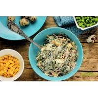 Салат из морской капусты с яйцом и копчёным кальмаром.